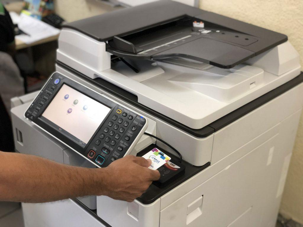 Gestão de impressão: empresas podem reduzir em até 40% os custos com cópias